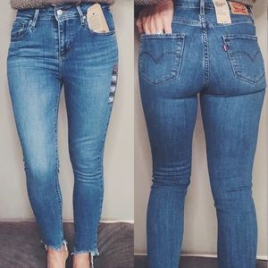 Levi's 721 High Rise Skinny Frayed Ankle Jeans 25
